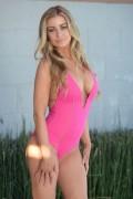 http://thumbnails104.imagebam.com/21162/d27014211619595.jpg