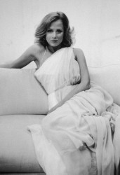 LAUREN HUTTON - random HQ set