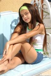 http://thumbnails104.imagebam.com/21233/ff8880212327400.jpg