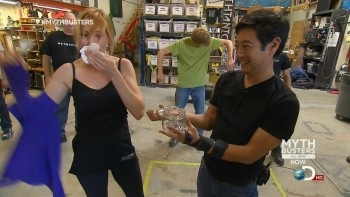 Kari Byron - Mythbusters s11e04 - Smell of Fear - HD caps - 28/10/12