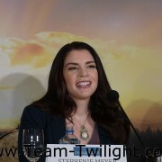 Imagenes/Videos Promocion de Amanecer Part 2 (USA) 4583a8218236108