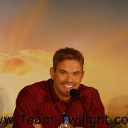 Imagenes/Videos Promocion de Amanecer Part 2 (USA) B43d1c218233599