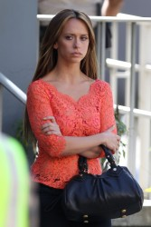 "6f4031220430827 Jennifer Love Hewitt   in L. A. on ""The Client List"" set   Nov. 11, 2012   22 HQ candids"
