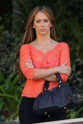 "b42bb0220430749 Jennifer Love Hewitt   in L. A. on ""The Client List"" set   Nov. 11, 2012   22 HQ candids"