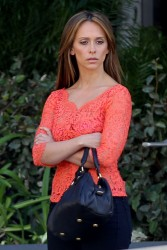 "cb3225220430796 Jennifer Love Hewitt   in L. A. on ""The Client List"" set   Nov. 11, 2012   22 HQ candids"