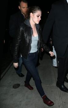Kristen Stewart - Imagenes/Videos de Paparazzi / Estudio/ Eventos etc. - Página 31 5818e7225749710
