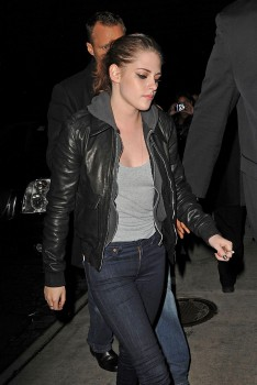 Kristen Stewart - Imagenes/Videos de Paparazzi / Estudio/ Eventos etc. - Página 31 7673cc225748612