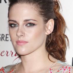 Kristen Stewart - Imagenes/Videos de Paparazzi / Estudio/ Eventos etc. - Página 31 B82943225855056