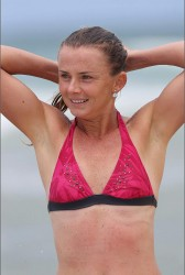 960cfe228810243 Daniela Hantuchova ~ Bikini at the beach / Brisbane, Dec 27 '12 candids