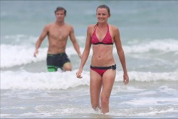 bd103f228810197 Daniela Hantuchova ~ Bikini at the beach / Brisbane, Dec 27 '12 candids