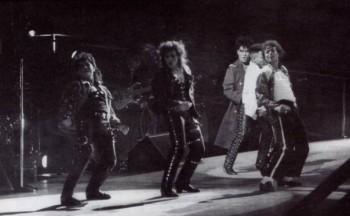 BAD WORLD TOUR  29f4a7232519866
