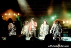 BAD WORLD TOUR  65da4d232525127