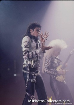 BAD TOUR PT 2  Be815e232528556