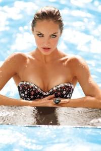 Iliza Shlesinger Swimming