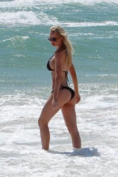 Sophie Turner - bikini beach candids in Sydney, January 25 ... Rachel Mcadams Date