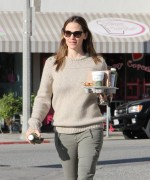 Jennifer Garner - Leaving Brentwood Country Mart / Los Angeles, Feb 27 '13