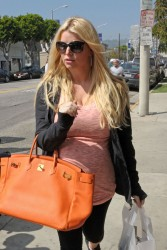 Jessica Simpson - out shopping in LA 3/15/13
