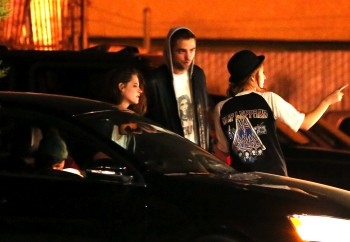 Robsten - Imagenes/Videos de Paparazzi / Estudio/ Eventos etc. - Página 10 Dc5452248201499