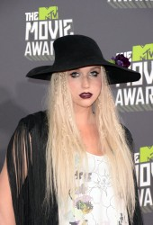 Ke$ha - 2013 MTV Movie Awards 4/14/13