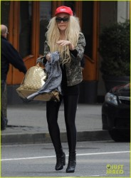 Amanda Bynes - out in NYC 4/16/13
