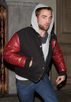 Robsten - Imagenes/Videos de Paparazzi / Estudio/ Eventos etc. - Página 10 9cdf10249695304