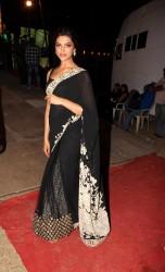 Deepika Padukone - Bollywood salutes Mumbai Police at Umang 2013 at Andheri Sports Complex - x2 HQ