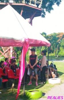 [PICS] 130427 NU'EST - Camping na Tailândia 23b8e7252006752