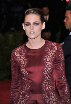 Kristen Stewart - Imagenes/Videos de Paparazzi / Estudio/ Eventos etc. - Página 31 D5b86b253071461