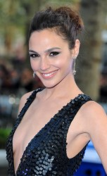 Gal Gadot | Black Dress |Fast & Furious 6 UK Premiere | 07.05.2013 | 16hq