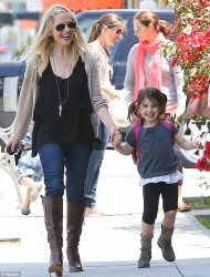 Sarah Michelle Gellar - out in Santa Monica 5/8/13