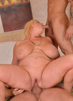 Zoey Andrews   Busty Blonde Milf  Plumper Fucking 101