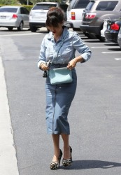 Kourtney Kardashian - Shopping in LA 5/21/13