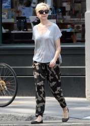 Anne Hathaway - out in NY 5/21/13