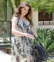 Khloe Kardashian - Going to a meeting in Studio City 5/21/13
