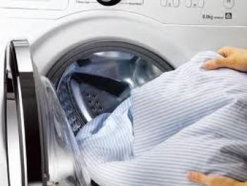 Menggunakan mesin cuci - Ist