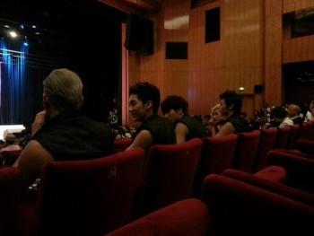 [PICS] 130629 NU'EST entrevista + mini show na Turquia (Turkey) Bdf15c263500618