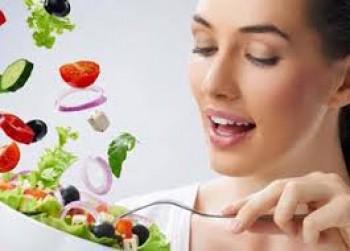 Perbanyak makan sayur dan buah - Ist
