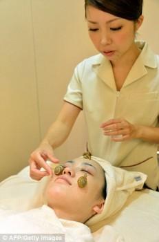 Perawatan wajah dengan siput