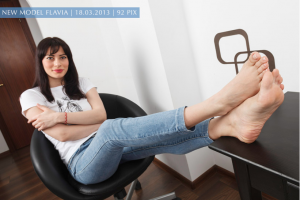 Barefeet in Jeans 2013