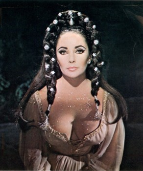 "ELIZABETH TAYLOR cleavage - still from ""Doctor Faustus"""