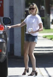 Kirsten Dunst - at a gas station in North Hollywood 8/17/13