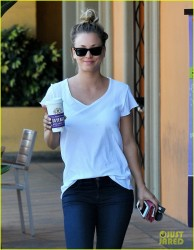 Kaley Cuoco - out in Studio City 8/21/13