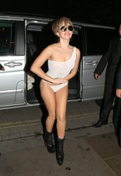 Lady Gaga - Arriving to her hotel in London 9/2/13