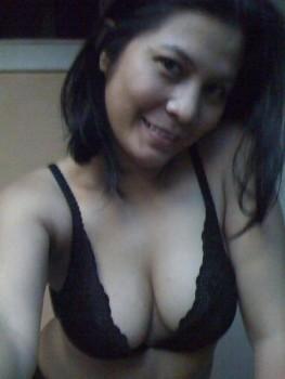 Amira Lidya Mengundang