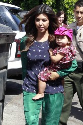 Khloe & Kourtney Kardashian - Visiting DASH in LA 9/25/13
