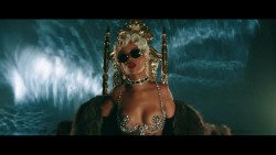 "Rihanna - ""Pour it Up"" Video"