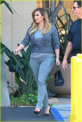 Kim & Khloe Kardashian - Out in Woodland Hills 10/8/13