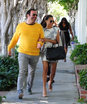 Naya out with her mom  Kevin  sister  and friends shopping for a    Naya Rivera And Her Mom