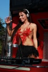 http://thumbnails104.imagebam.com/28215/44ae61282147094.jpg