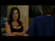 Kelly Monaco, cleavage runneth over, GH 10/15-10/16
